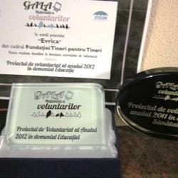 Anul acesta, Moșul a venit mai devreme și ne-a adus un premiu la Gala Voluntarilor